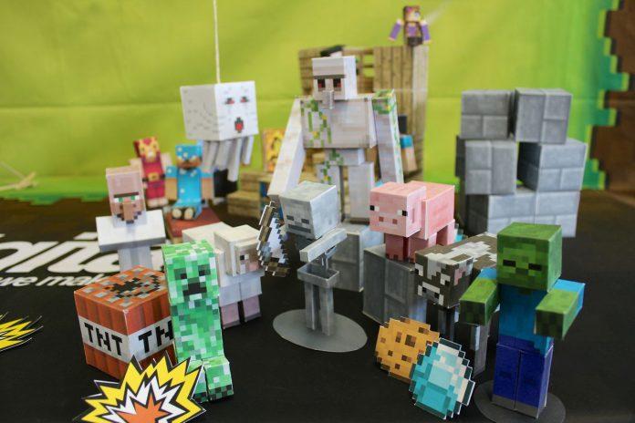 Minecraft Figures Mojang