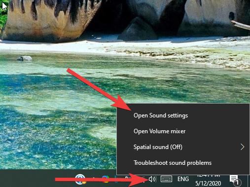 Windows 10 - Taskbar - Open sound settings