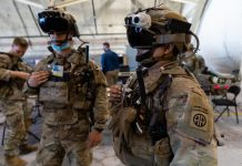 Soldiers-Wearing-Microsoft-HoloLens-2-Army-IVAS-Microsoft